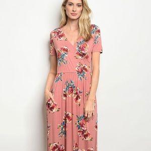 Dresses & Skirts - 🌸Spring Floral Maxi Dress🌸